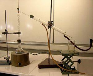 Montage d'une colonne à distiller